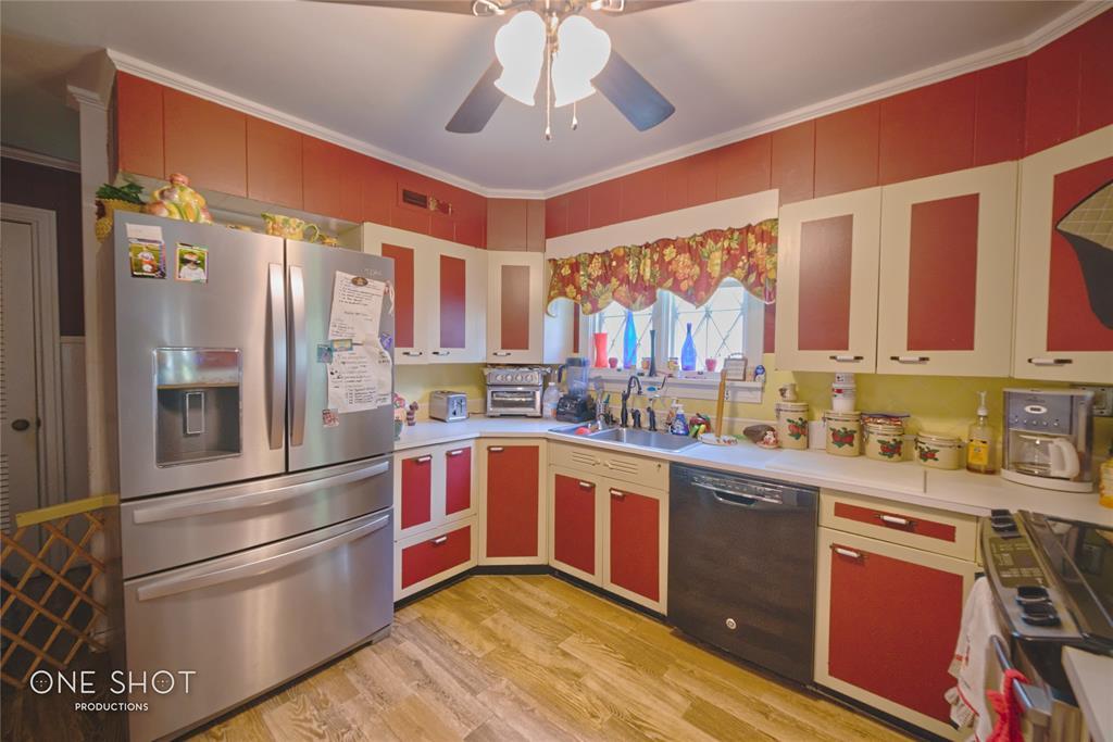 307 Hillcrest  Avenue, Eastland, Texas 76448 - acquisto real estate best new home sales realtor linda miller executor real estate