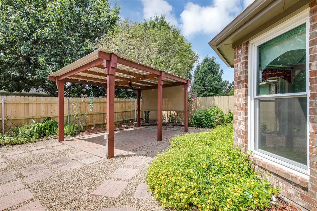 905 Canterbury  Drive, Saginaw, Texas 76179 - acquisto real estate best negotiating realtor linda miller declutter realtor