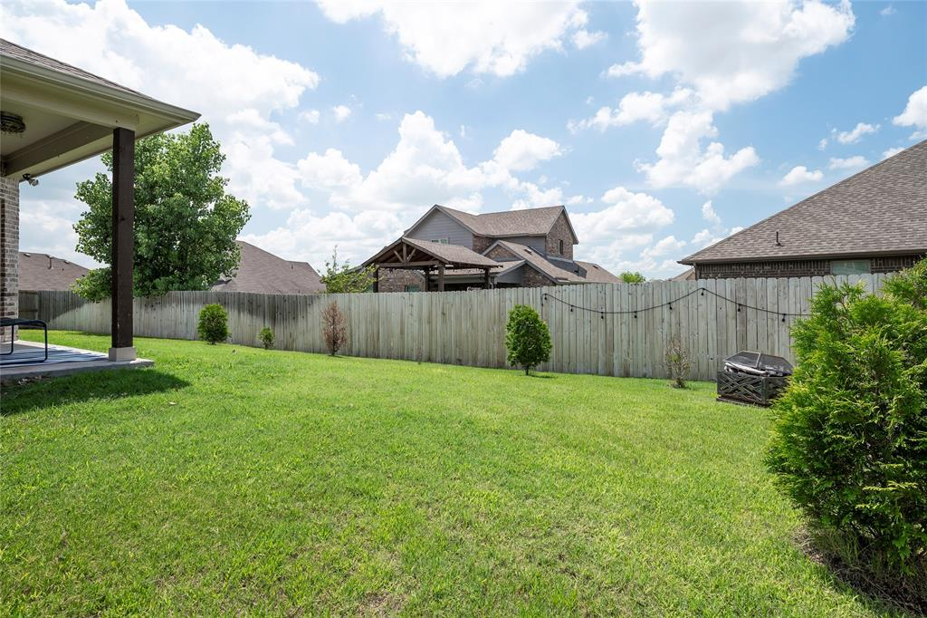 9 Bluebird  Lane, Sanger, Texas 76266 - acquisto real estate best park cities realtor kim miller best staging agent