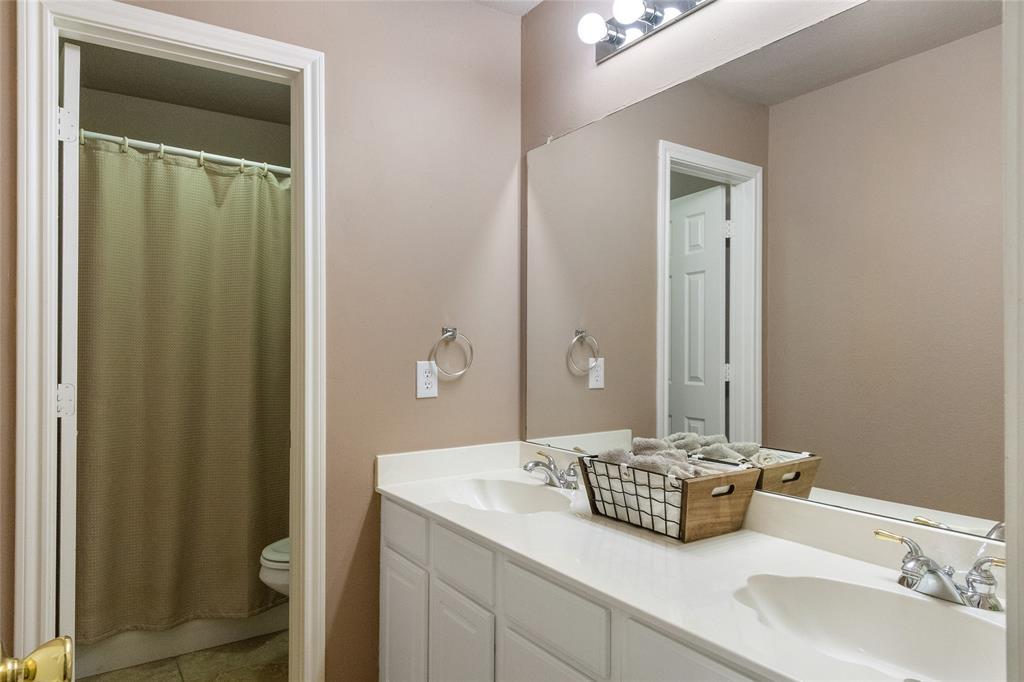 8712 Falcon Crest  Drive, McKinney, Texas 75072 - acquisto real estate best photos for luxury listings amy gasperini quick sale real estate