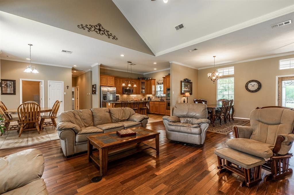 211 Bolton  Circle, West, Texas 76691 - acquisto real estate best real estate company to work for