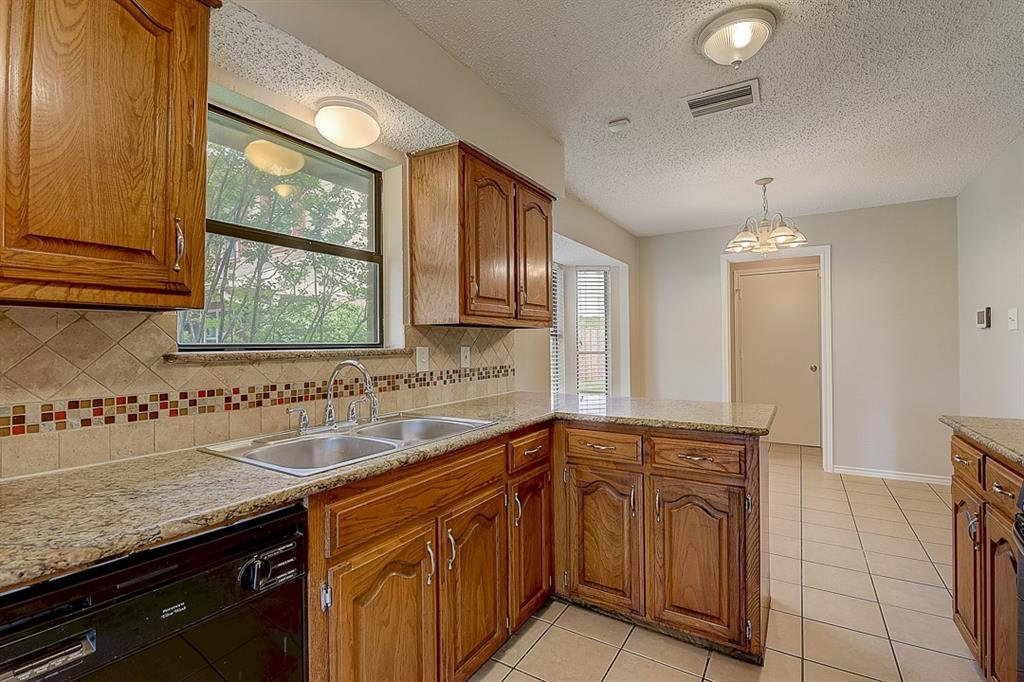 405 Kingsbridge  Court, Garland, Texas 75040 - acquisto real estate best plano real estate agent mike shepherd