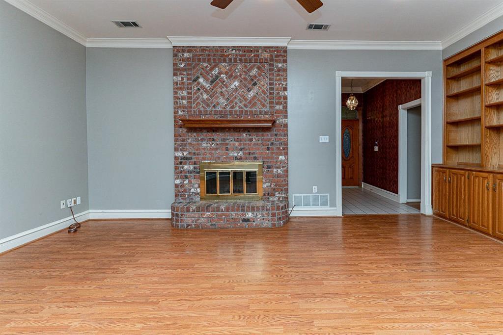 6710 Landover Hills  Lane, Arlington, Texas 76017 - acquisto real estate best luxury buyers agent in texas shana acquisto inheritance realtor