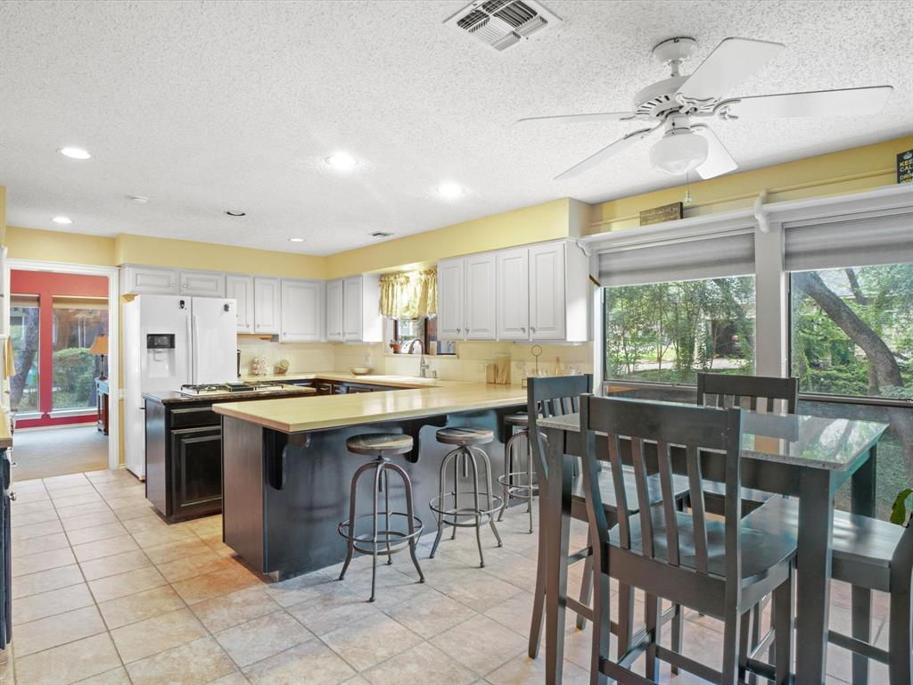 505 Oak Hollow  Lane, Fort Worth, Texas 76112 - acquisto real estate best highland park realtor amy gasperini fast real estate service
