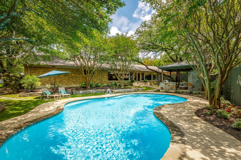 6556 Meadowcreek  Drive, Dallas, Texas 75254 - acquisto real estate agent of the year mike shepherd