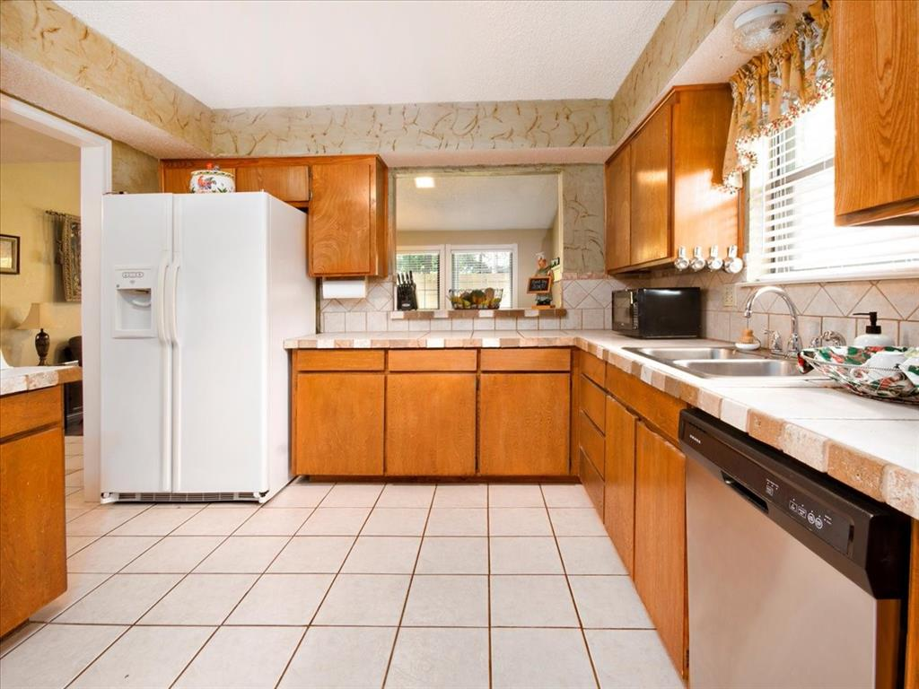 4700 Lone Oak  Drive, Arlington, Texas 76017 - acquisto real estate best luxury buyers agent in texas shana acquisto inheritance realtor