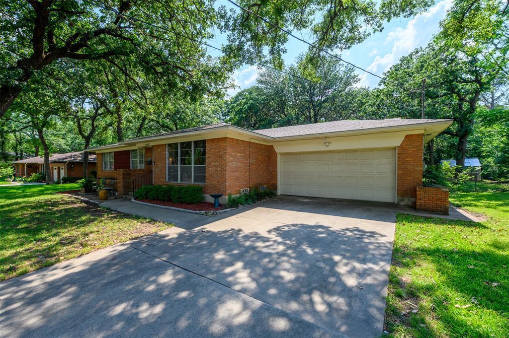 2503 Glenwood  Lane, Denton, Texas 76209 - acquisto real estate best allen realtor kim miller hunters creek expert