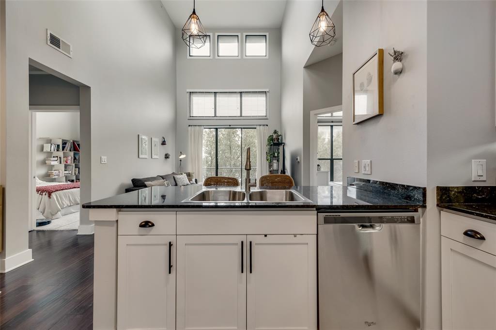 4414 Cedar Springs  Road, Dallas, Texas 75219 - acquisto real estate best style realtor kim miller best real estate reviews dfw