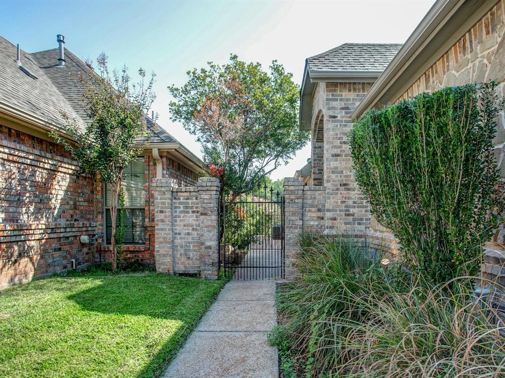 2136 Portwood  Way, Fort Worth, Texas 76179 - acquisto real estate mvp award real estate logan lawrence