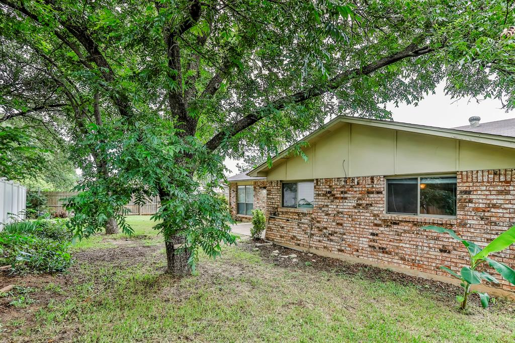 2800 Treeview  Drive, Arlington, Texas 76016 - acquisto real estate best photo company frisco 3d listings
