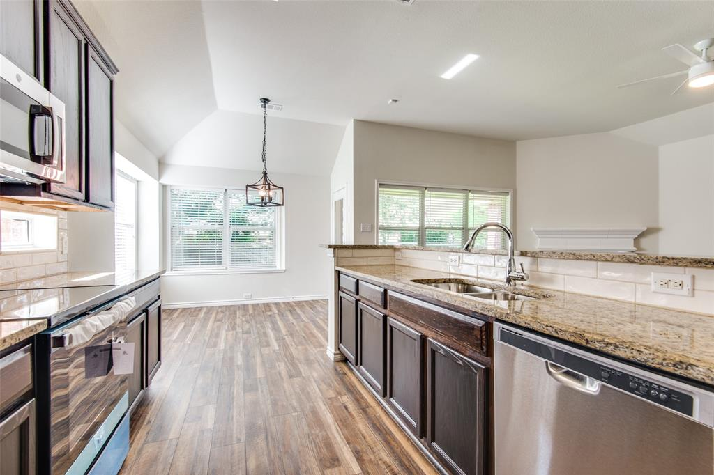 5913 Meadowglen  Drive, Denton, Texas 76226 - acquisto real estate best flower mound realtor jody daley lake highalands agent of the year