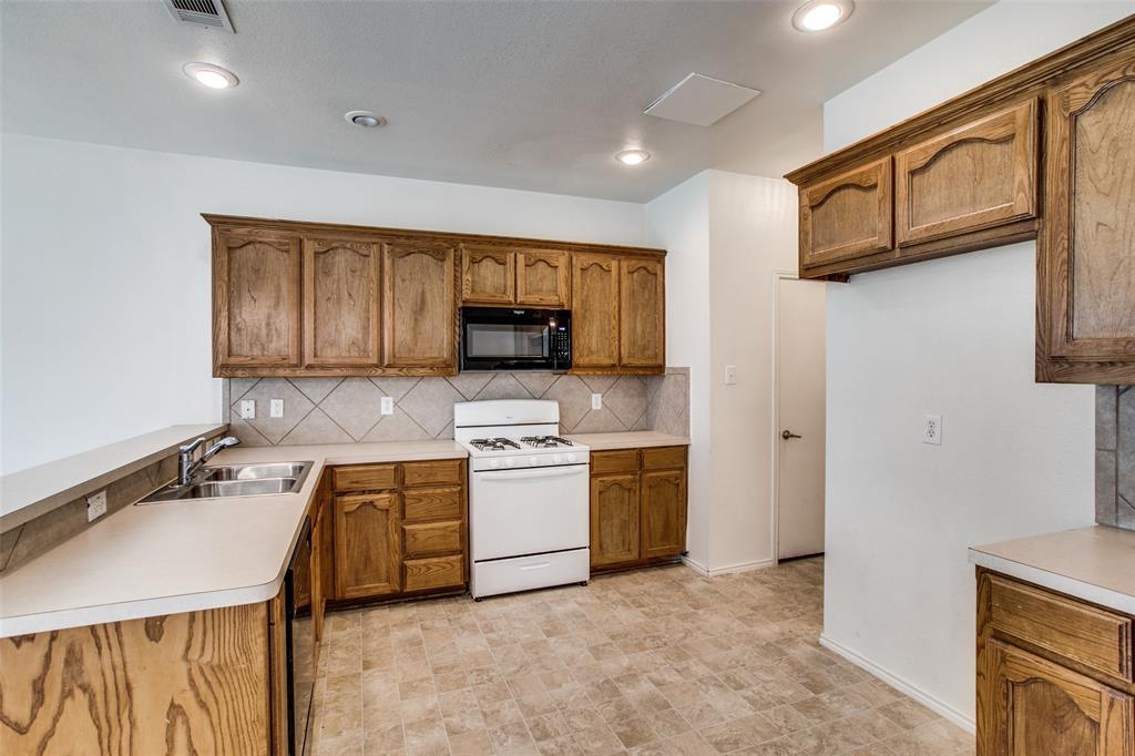 6405 Geneva  Lane, Fort Worth, Texas 76131 - acquisto real estate best celina realtor logan lawrence best dressed realtor