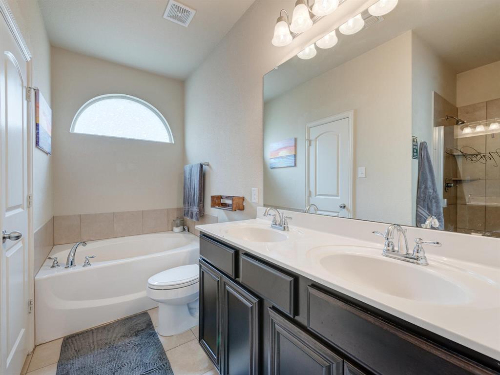 929 Viburnum  Drive, Fort Worth, Texas 76131 - acquisto real estate best designer and realtor hannah ewing kind realtor