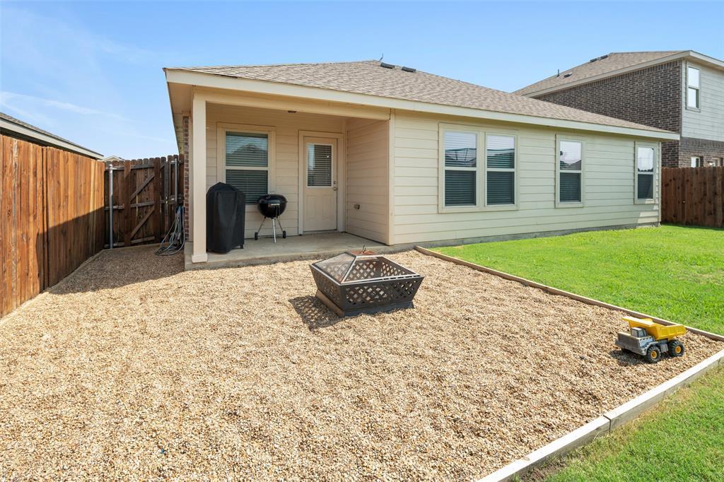 1107 Rainer  Drive, Princeton, Texas 75407 - acquisto real estate best photo company frisco 3d listings