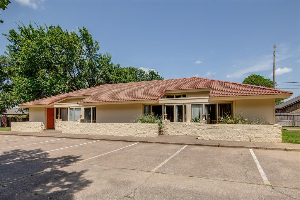 3105 Arkansas  Lane, Dalworthington Gardens, Texas 76016 - Acquisto Real Estate best plano realtor mike Shepherd home owners association expert
