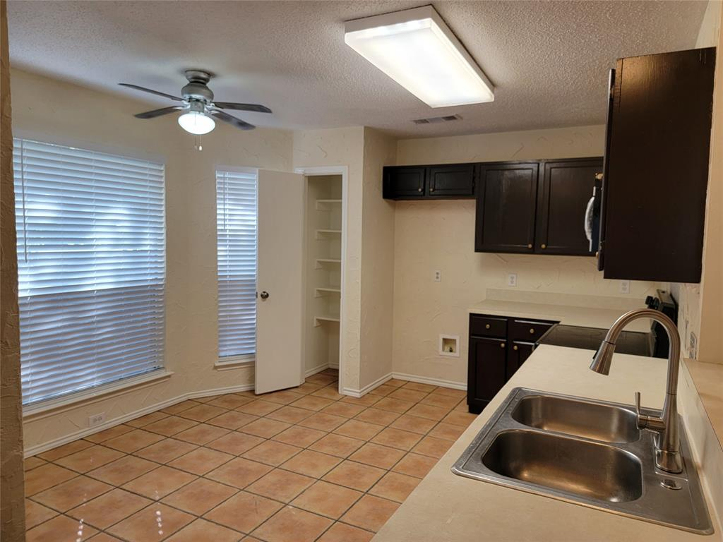 6036 Maple Leaf  Drive, Arlington, Texas 76017 - acquisto real estate best the colony realtor linda miller the bridges real estate