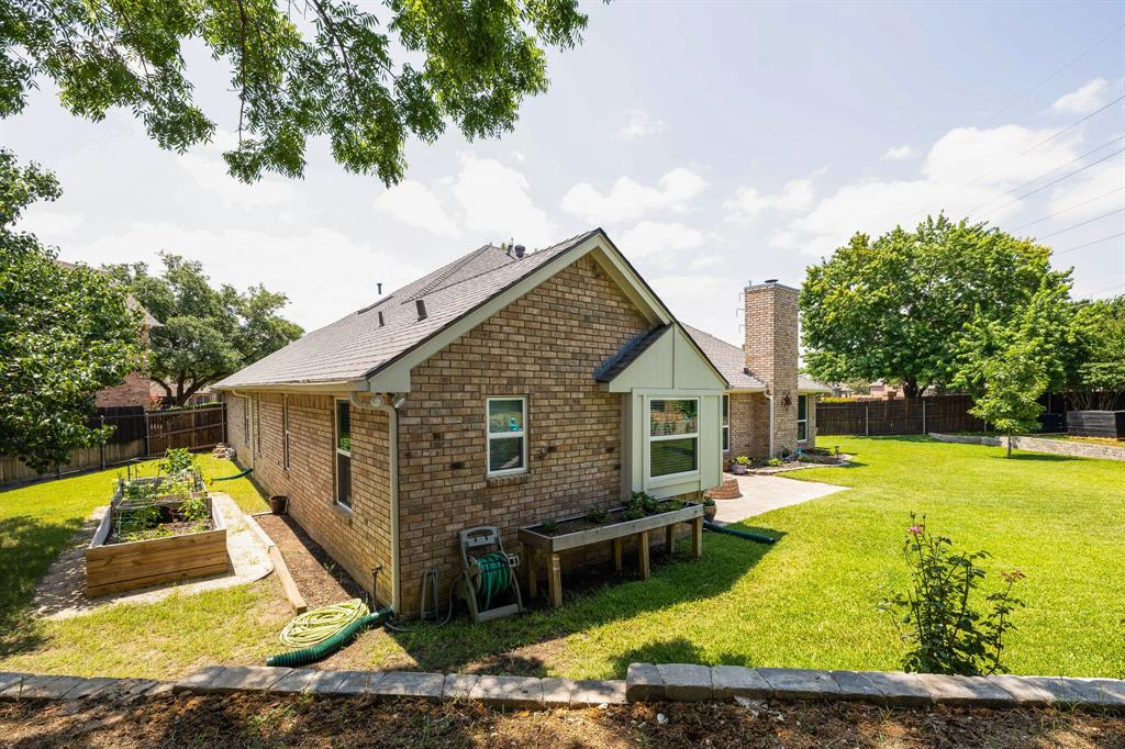 2701 Cedar Springs  Court, Bedford, Texas 76021 - acquisto real estate best real estate follow up system katy mcgillen