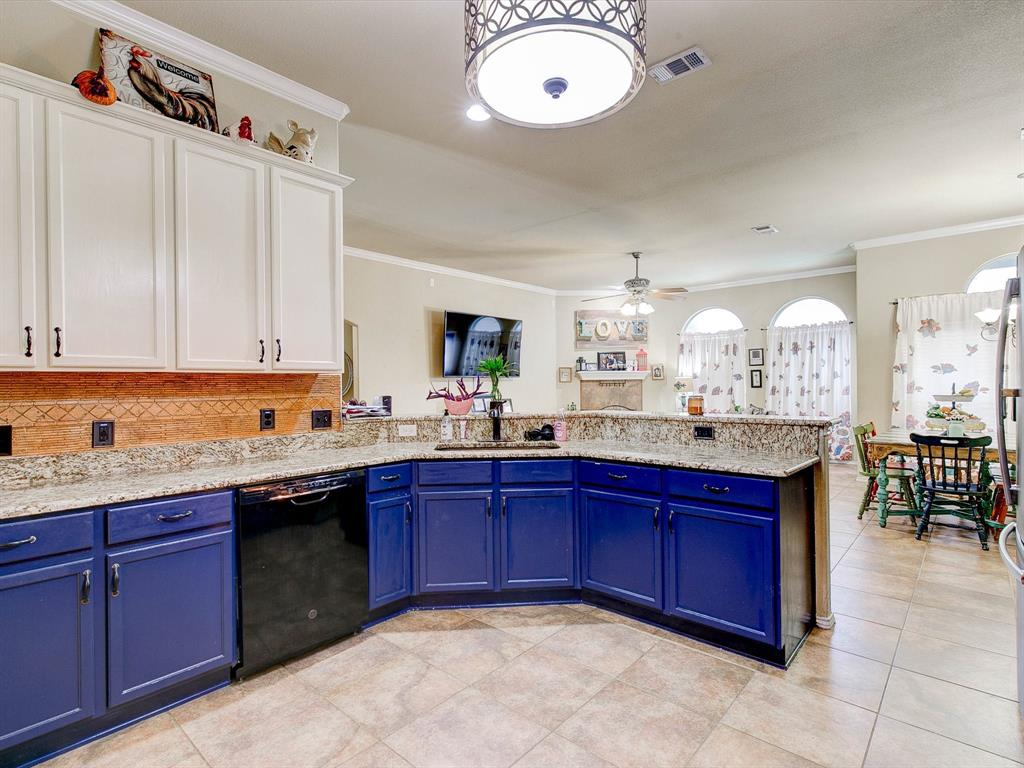 2973 Lakeview  Circle, Burleson, Texas 76028 - acquisto real estate best highland park realtor amy gasperini fast real estate service