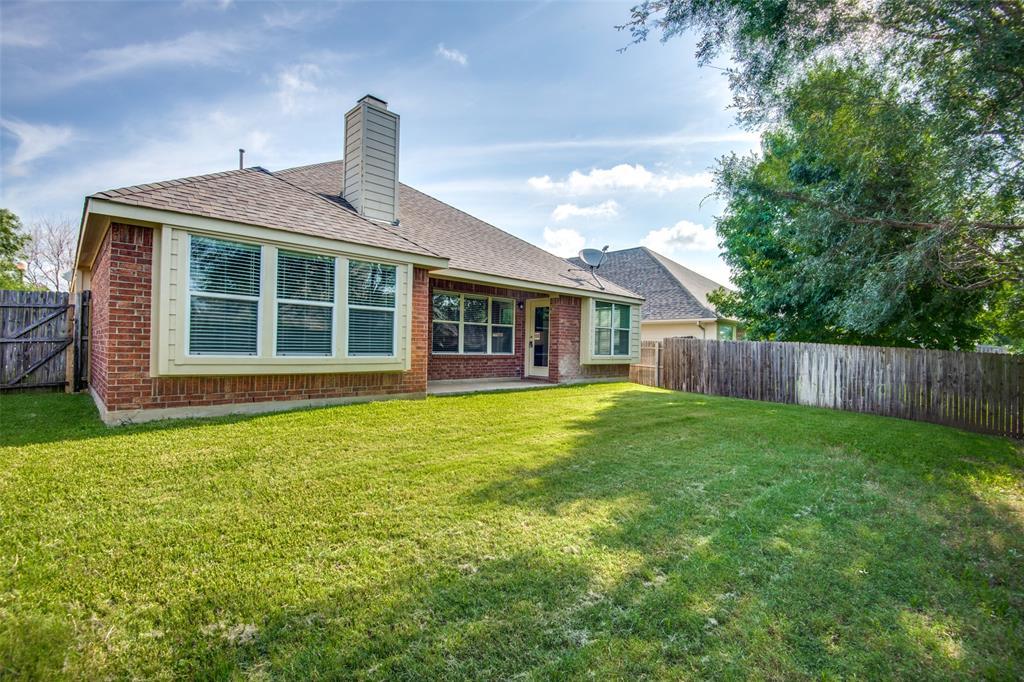 5913 Meadowglen  Drive, Denton, Texas 76226 - acquisto real estate best realtor dfw jody daley liberty high school realtor