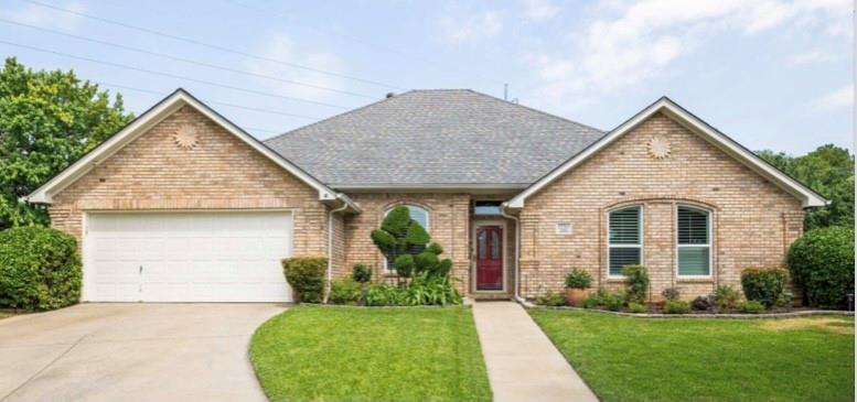 2701 Cedar Springs  Court, Bedford, Texas 76021 - Acquisto Real Estate best plano realtor mike Shepherd home owners association expert