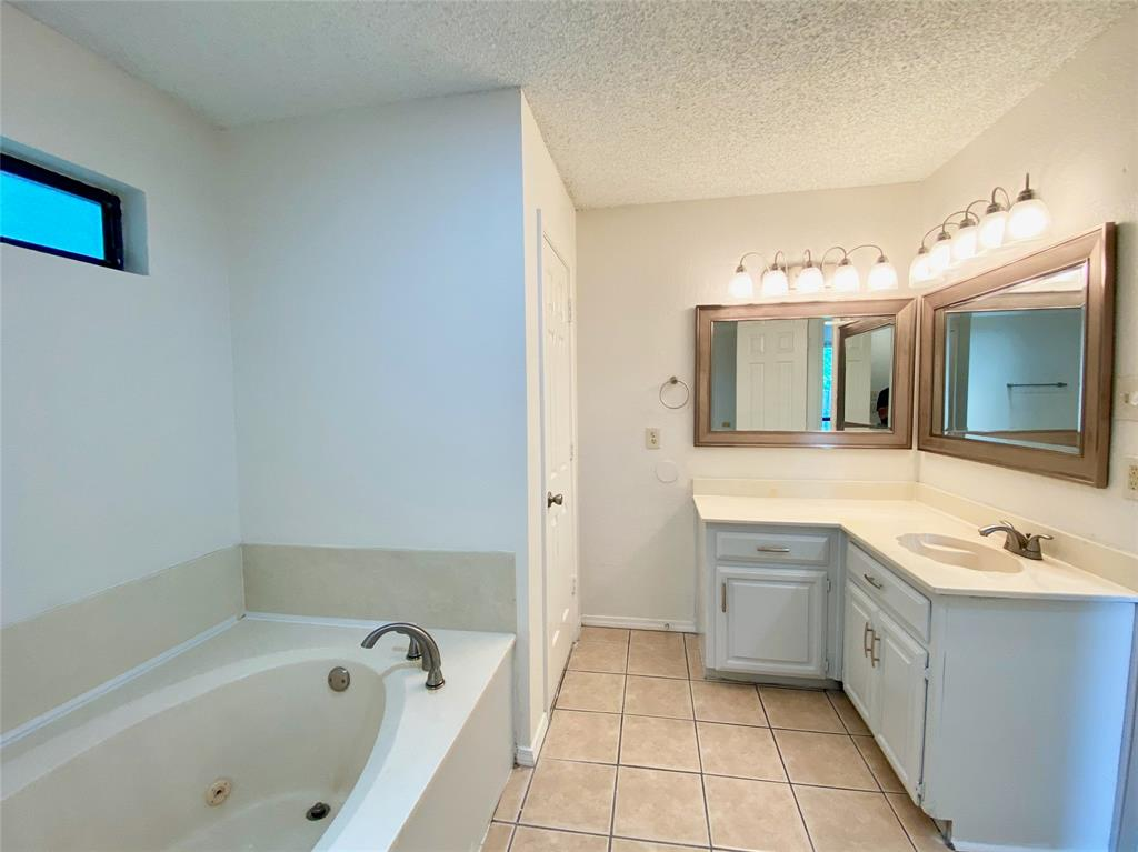 1244 Misty  Lane, Duncanville, Texas 75116 - acquisto real estate best investor home specialist mike shepherd relocation expert