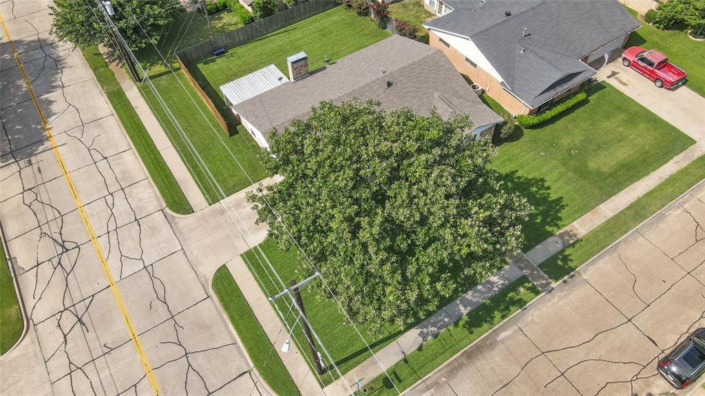 2002 Benjamin  Road, Irving, Texas 75060 - acquisto real estate best park cities realtor kim miller best staging agent