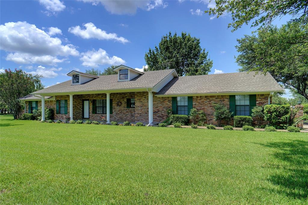 1101 Tennison  Road, Azle, Texas 76020 - Acquisto Real Estate best plano realtor mike Shepherd home owners association expert
