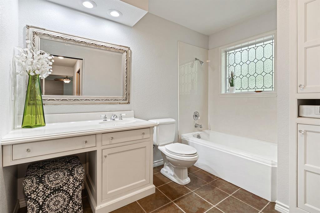 4 Sandy  Lane, Teague, Texas 75860 - acquisto real estate best realtor foreclosure real estate mike shepeherd walnut grove realtor