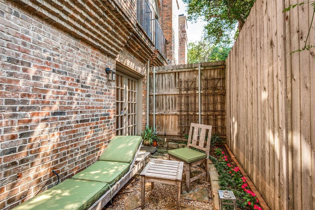 4519 Gilbert  Avenue, Dallas, Texas 75219 - acquisto real estate best frisco real estate agent amy gasperini panther creek realtor