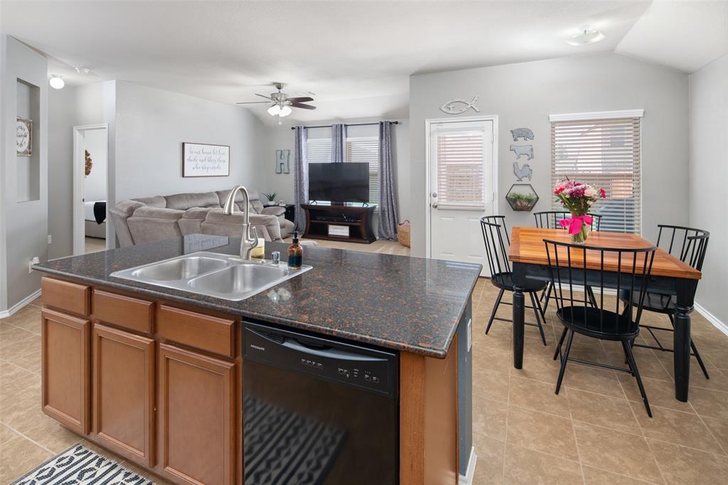 1107 Rainer  Drive, Princeton, Texas 75407 - acquisto real estate best listing agent in the nation shana acquisto estate realtor