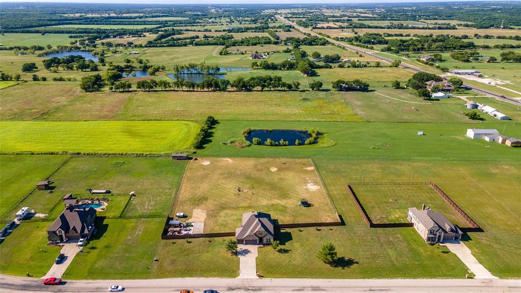 306 The Trails  Drive, Blue Ridge, Texas 75424 - acquisto real estate mvp award real estate logan lawrence