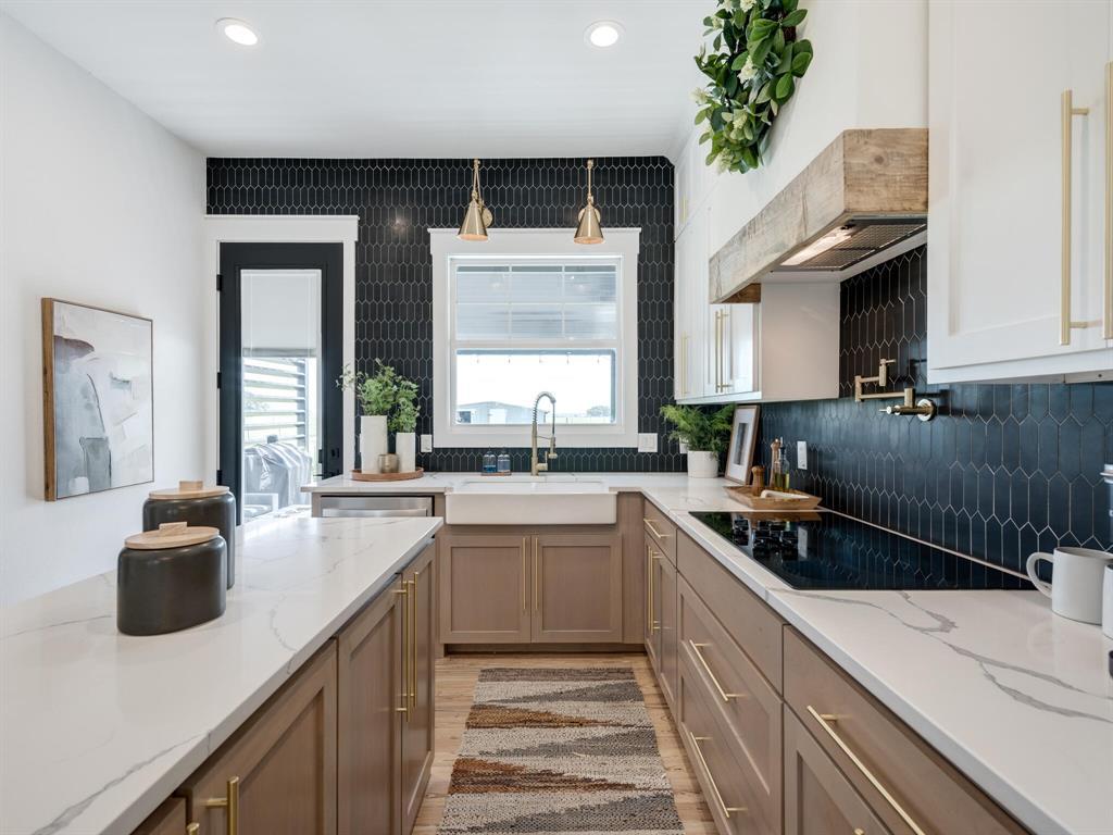 901 Debbie  Lane, Pilot Point, Texas 76258 - acquisto real estate best new home sales realtor linda miller executor real estate