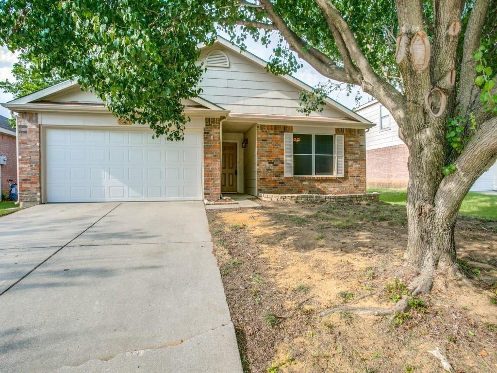 3221 Bent Creek  Drive, Denton, Texas 76210 - Acquisto Real Estate best plano realtor mike Shepherd home owners association expert