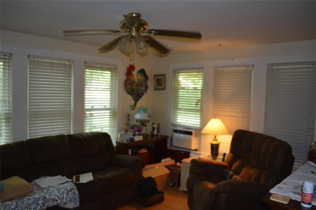 202 Washington  Street, Cleburne, Texas 76031 - acquisto real estate best luxury buyers agent in texas shana acquisto inheritance realtor