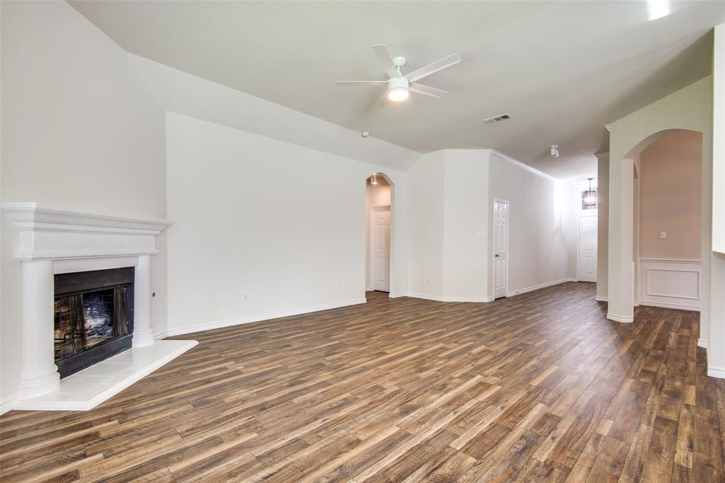 5913 Meadowglen  Drive, Denton, Texas 76226 - acquisto real estate best real estate company in frisco texas real estate showings