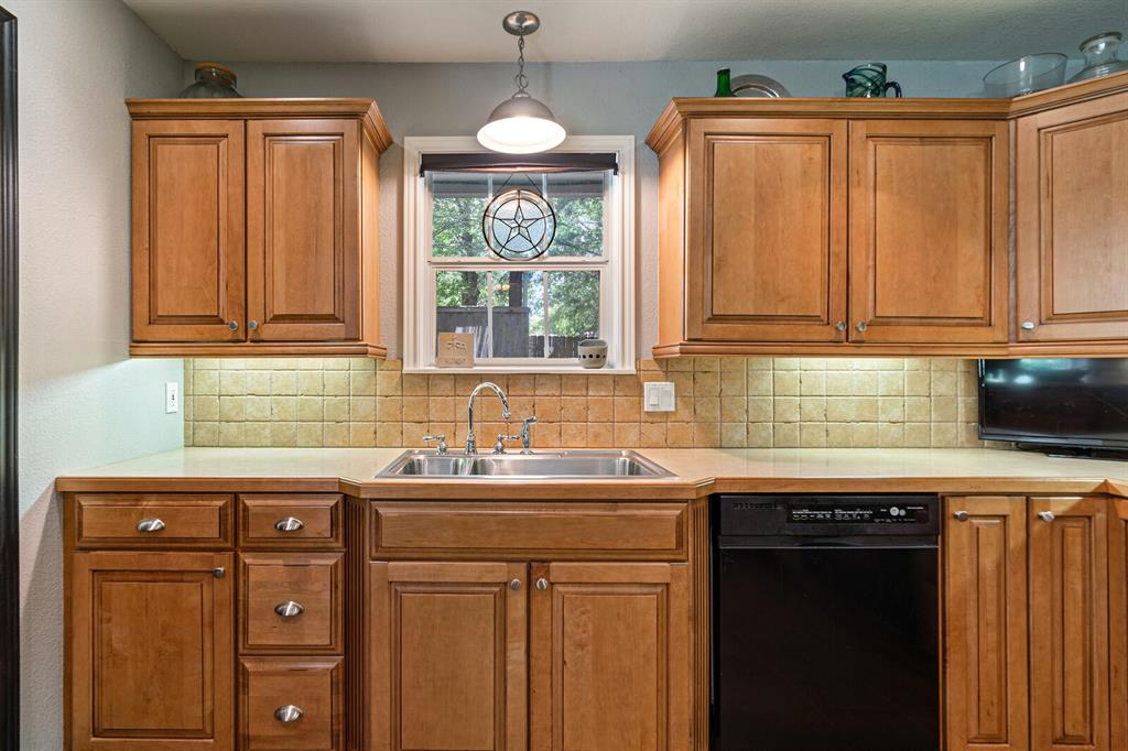 4 Sandy  Lane, Teague, Texas 75860 - acquisto real estate best listing listing agent in texas shana acquisto rich person realtor