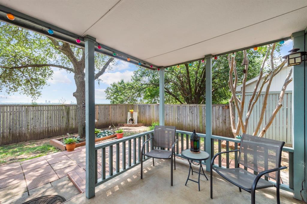 2112 Crestmeadow  Street, Denton, Texas 76207 - acquisto real estate best frisco real estate agent amy gasperini panther creek realtor