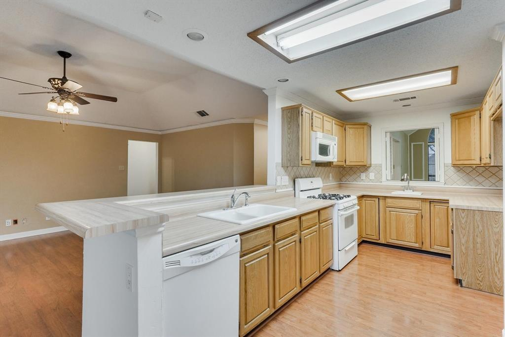 1662 Crosshaven  Drive, Lewisville, Texas 75077 - acquisto real estate best luxury buyers agent in texas shana acquisto inheritance realtor