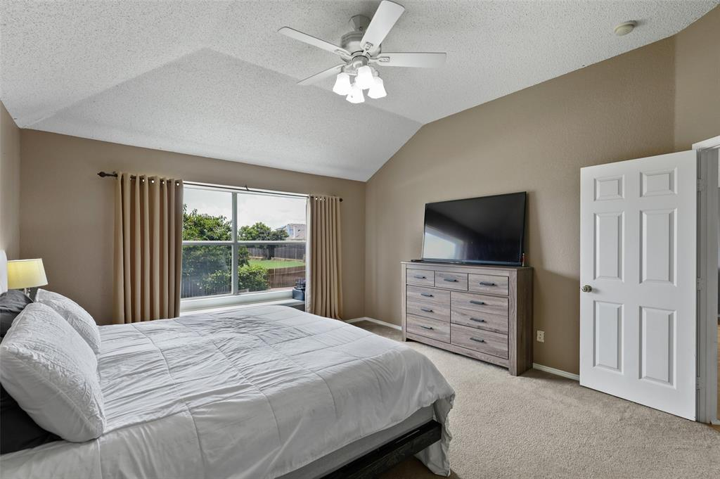 5601 Seafield  Lane, Fort Worth, Texas 76135 - acquisto real estate best photos for luxury listings amy gasperini quick sale real estate