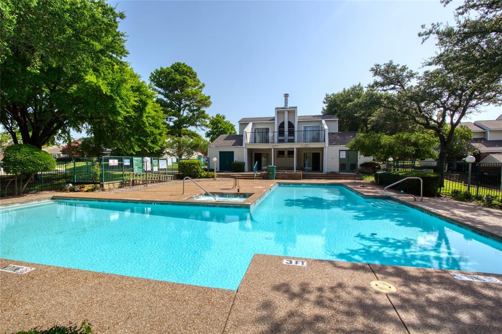 719 Creekwood  Court, Lewisville, Texas 75067 - acquisto real estate best realtor dfw jody daley liberty high school realtor