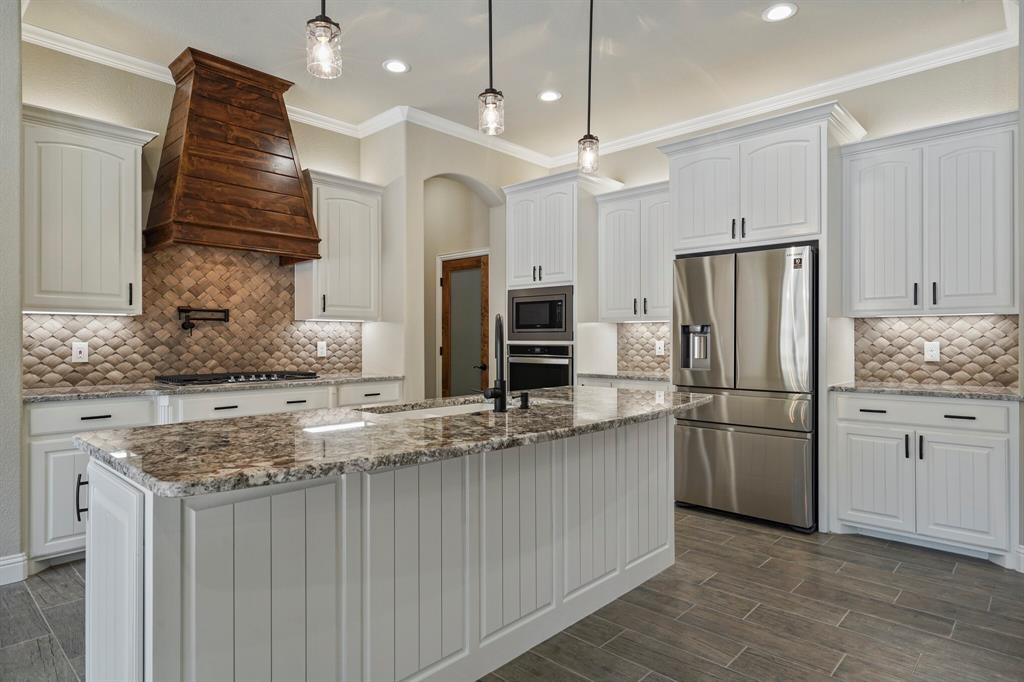 725 Glade Park  Court, Azle, Texas 76020 - acquisto real estate best luxury buyers agent in texas shana acquisto inheritance realtor