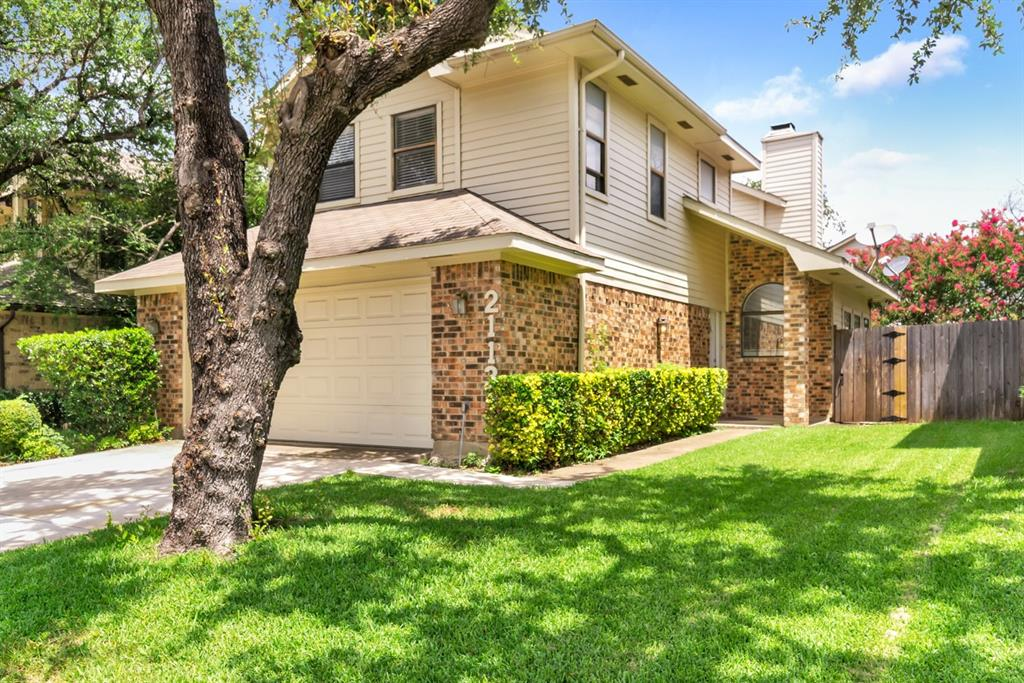 2113 Avignon  Drive, Carrollton, Texas 75007 - Acquisto Real Estate best plano realtor mike Shepherd home owners association expert