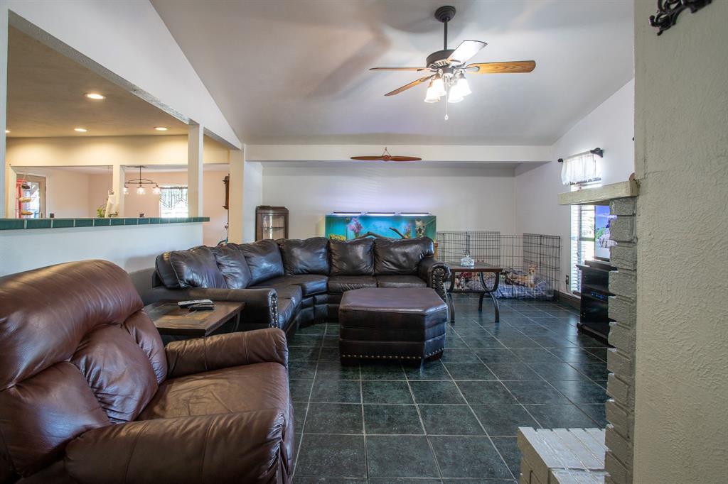 3309 Edgecliff  Drive, Garland, Texas 75043 - acquisto real estate best allen realtor kim miller hunters creek expert