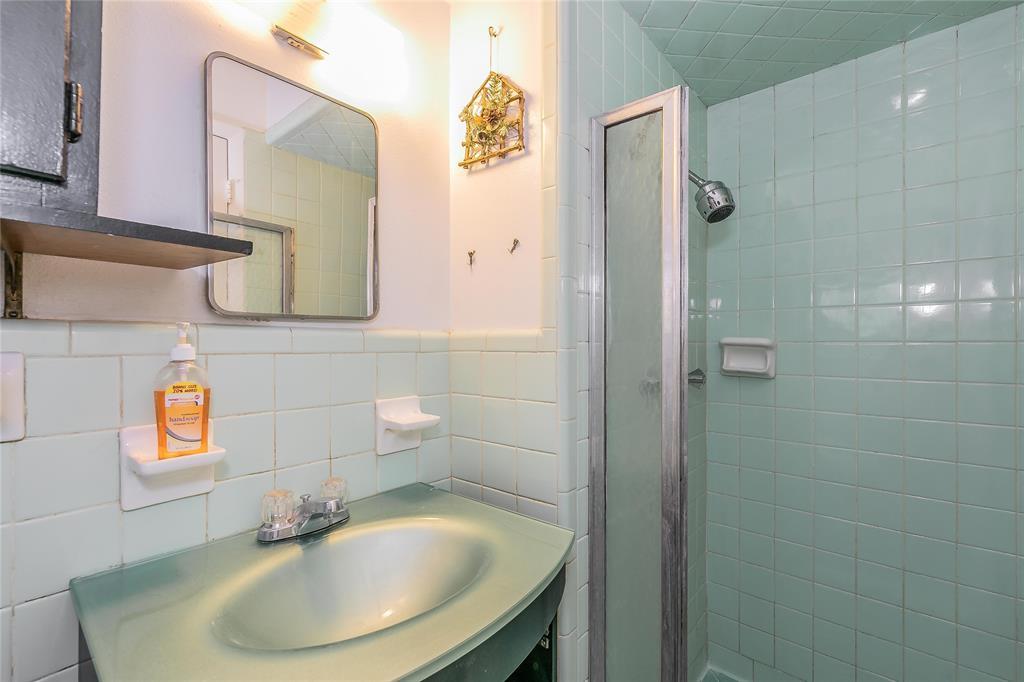 4341 Kolloch  Drive, Dallas, Texas 75216 - acquisto real estate best new home sales realtor linda miller executor real estate