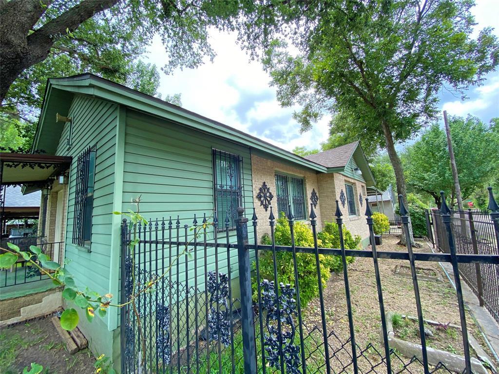 1001 Grandview  Avenue, Dallas, Texas 75223 - acquisto real estate best luxury buyers agent in texas shana acquisto inheritance realtor