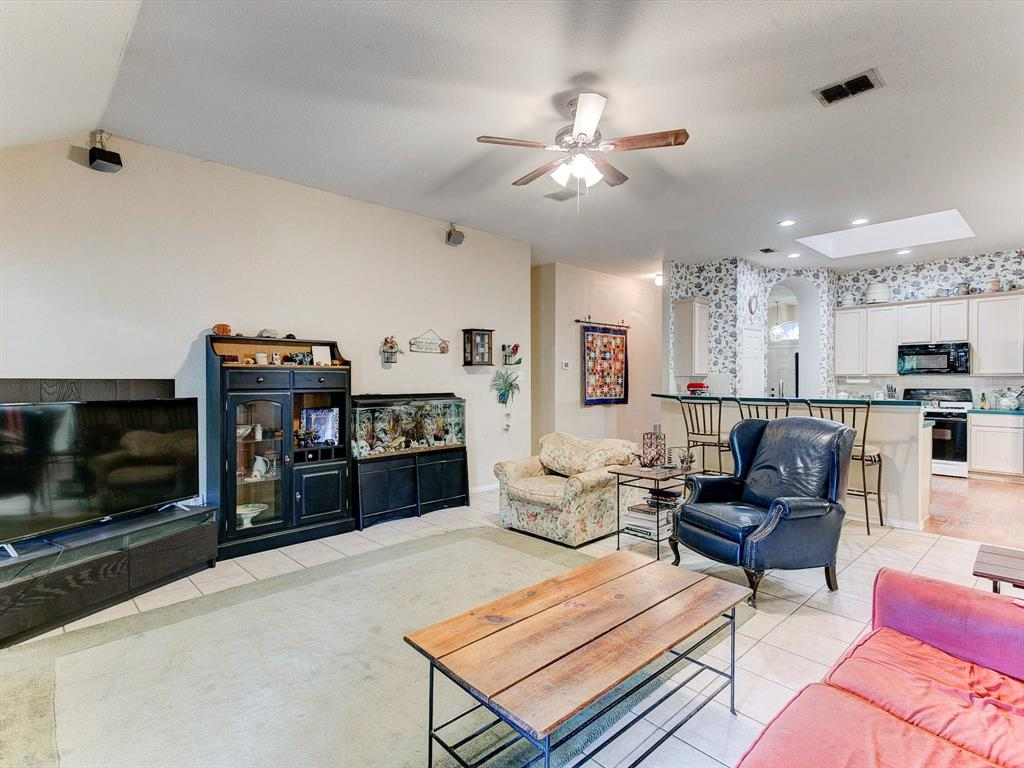 2830 Oakdale  Drive, Burleson, Texas 76028 - acquisto real estate best realtor westlake susan cancemi kind realtor of the year