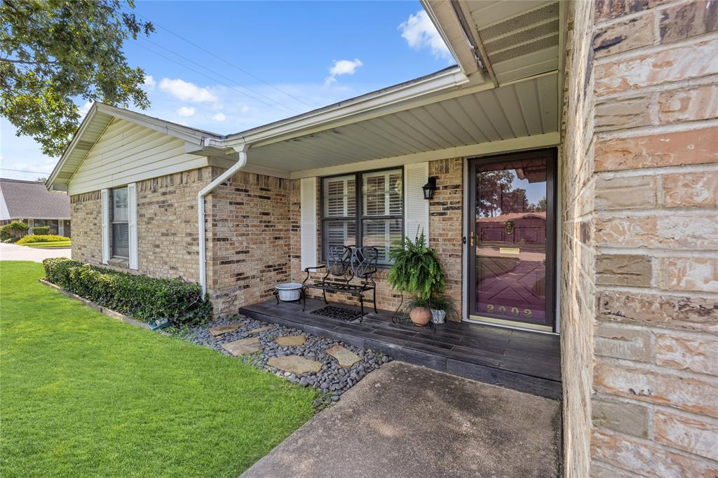 2002 Benjamin  Road, Irving, Texas 75060 - Acquisto Real Estate best plano realtor mike Shepherd home owners association expert