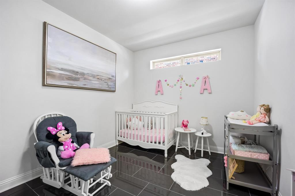 8251 Lindsay  Gardens, The Colony, Texas 75056 - acquisto real estate best negotiating realtor linda miller declutter realtor