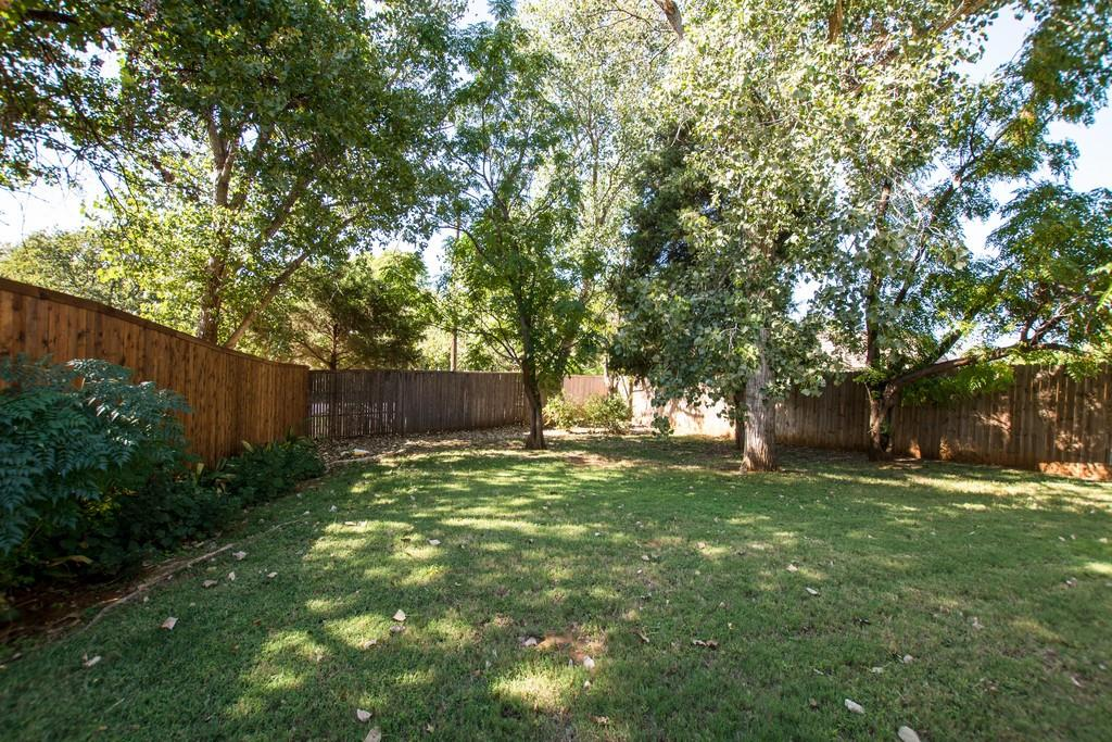 2308 Balleybrooke  Drive, Lewisville, Texas 75077 - acquisto real estate best photo company frisco 3d listings
