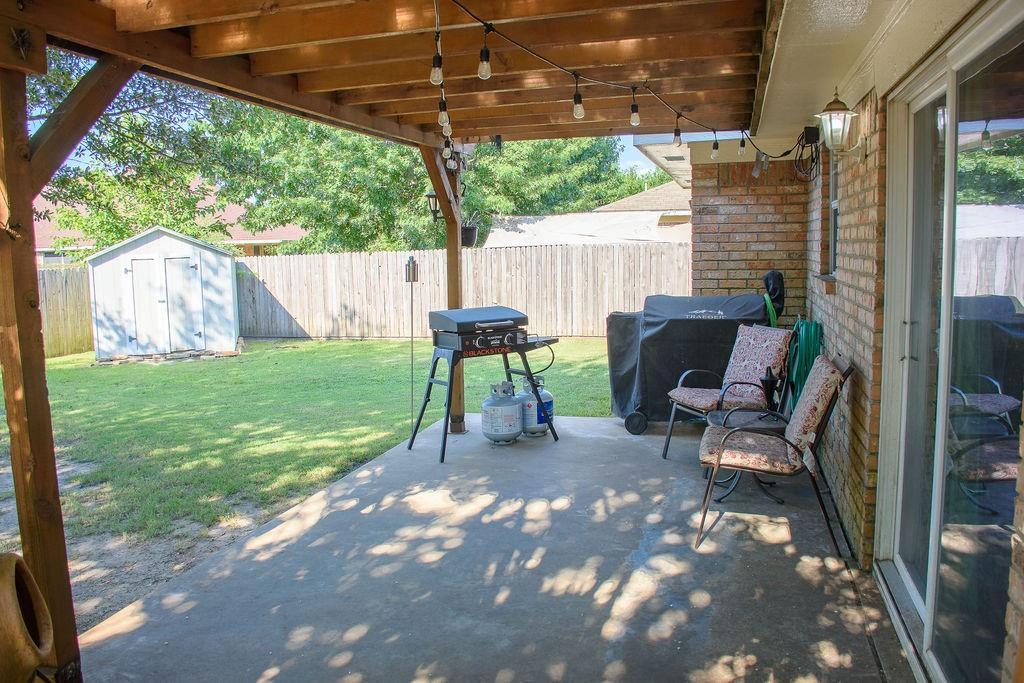 206 Hackberry  Drive, Greenville, Texas 75402 - acquisto real estate best allen realtor kim miller hunters creek expert